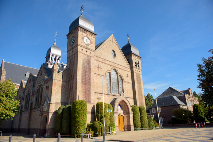 Kerk Bladel: Er is gerommel in de parochie over pastoor Bladel