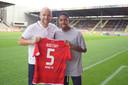 Jean-Paul Boëtius met het shirt van zijn nieuwe club FSV Mainz 05.