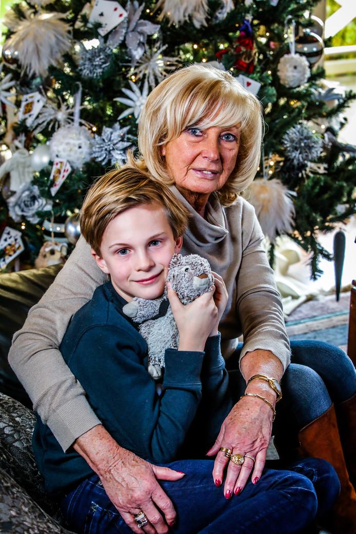 """Kurts zoon Arnaud (9) woon nu bij zijn oma, Annita. ,,Ik probeer hem op te voeden met de waarden die mijn zoon hem had willen meegeven."""""""