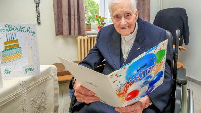"""Na oproep op hln.be krijgt zuster Rachel (105) 250 verjaardagskaartjes: """"Ik heb ze àllemaal gelezen"""""""