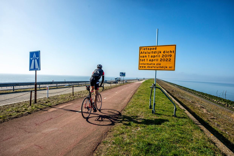 De Afsluitdijk wordt afgesloten voor fietsers.