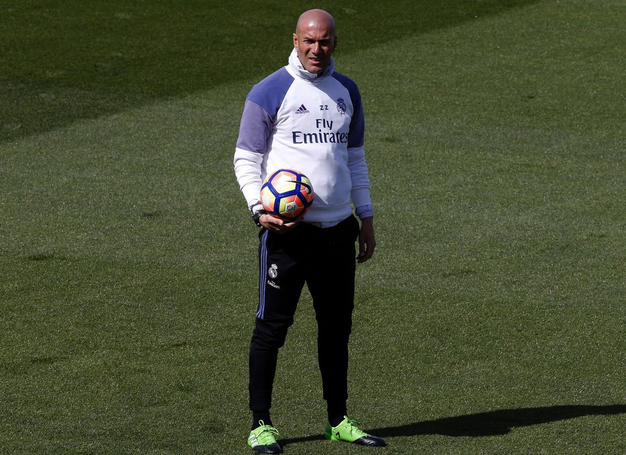 Zidane: El Clásico niet beslissend in titelrace | Foto | AD.nl