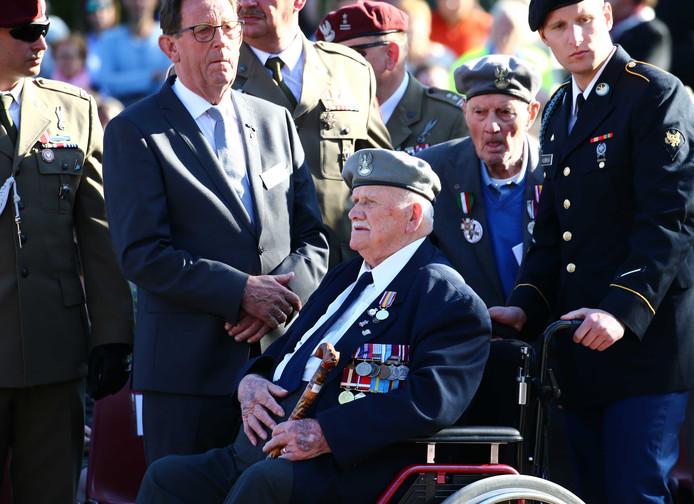 Een veteraan bij de herdenking van Operation Market Garden.