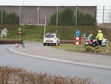 Belastingdienst en politie houden verkeerscontrole in Vlijmen