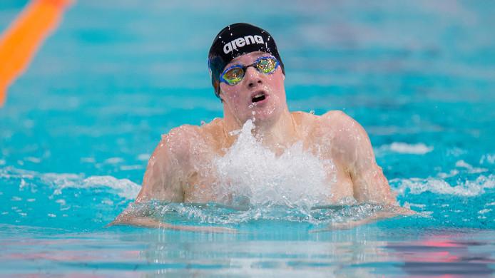 Wisselslagspecialist Arjan Knipping van PSV Zwemmen was op de 400 meter wisselslag precies even snel als Marcel Wouda in 1997.