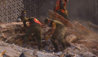 Aardbeving in Mexico-Stad eist zeker 200 levens, ondanks waarschuwing