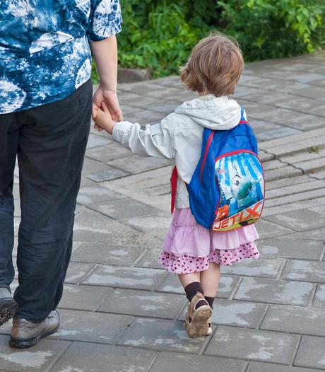 Lesuur opgeschort: leerkrachten ontbijten op schoolplein