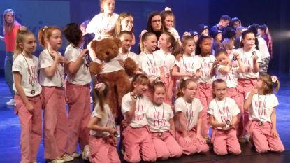 'Ieniemienie'-crew en 'Funtastic'-crew van Dance Planet worden vice-Belgisch Kampioen