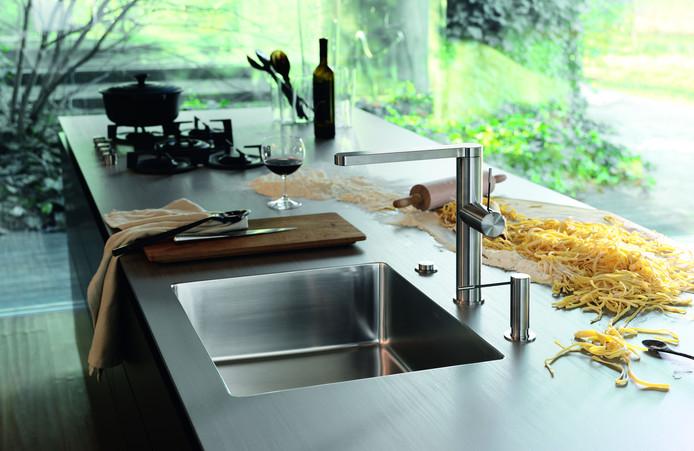 Dans la cuisine en elle-même aussi, le choix se porte de plus en plus souvent sur un matériau fil conducteur.