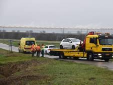 Vrouw raakt met auto in sloot op Bathpolderweg bij Rilland en komt met de schrik vrij
