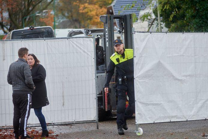 Operatie Alfa bij woonwagenkamp Hoogheuvelstraat Oss. Fotograaf: Van Assendelft/Jeroen Appels