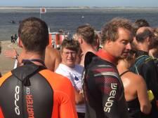 Bornse Ida Beermann heeft haar zwemtocht volbracht, ondanks zeeziekte