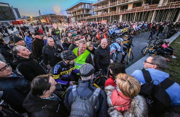 De Soudal Cyclocross Masters introduceerde een extra side-event in Waregem. De veldrijders mogen dit jaar hun technische vaardigheden tonen tijdens een spectaculaire trialcompetitie.
