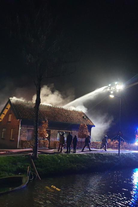 Uitslaande brand in Nieuwland onder controle