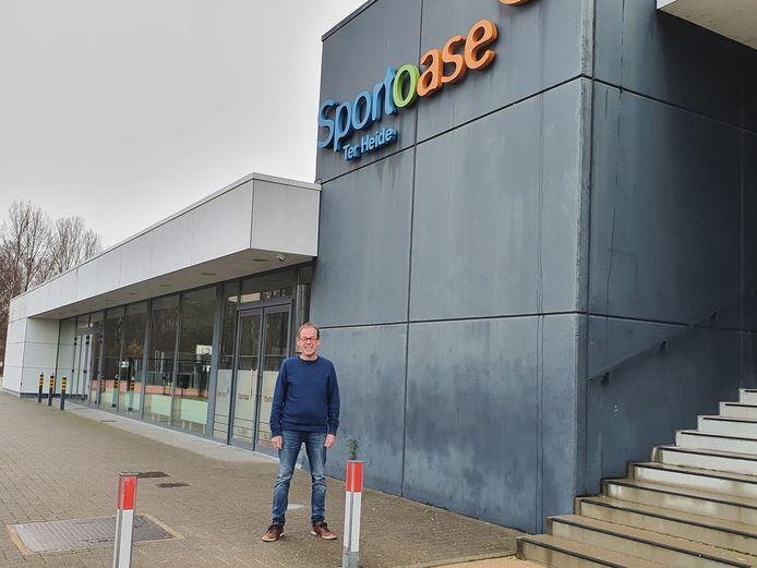 Werner Van Nuffelen, voorzitter van Eerstelijnszone Leuven Noord aan de Sportoase in Rotselaar. Deze locatie zal tegen 15 februari ingericht worden als vaccinatiecentrum.
