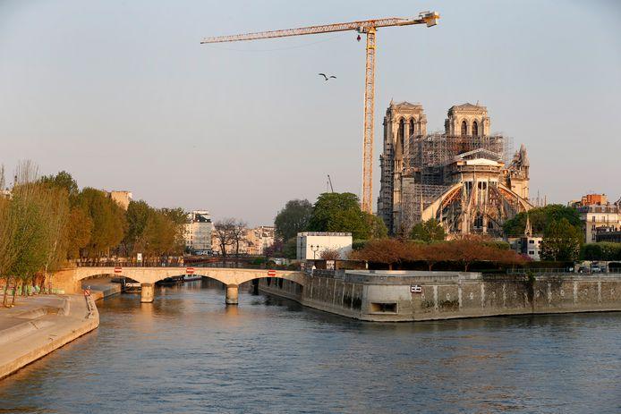 De Notre Dame in Parijs wordt hersteld.