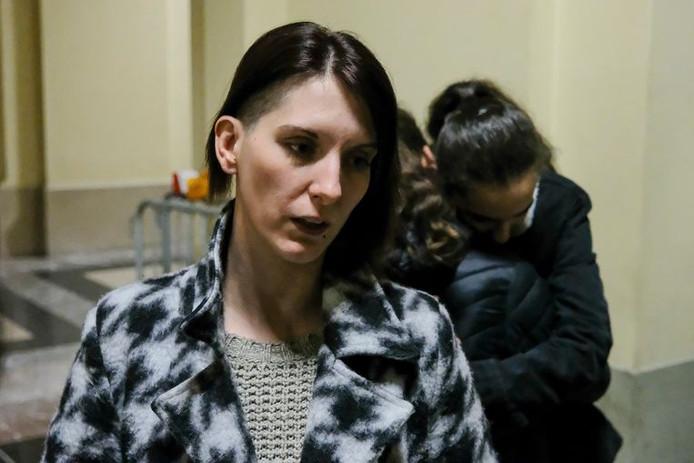 Sylvie Keymolen et ses filles, qui cherchaient du réconfort mutuel au procès