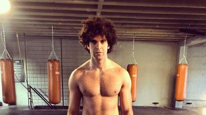 Adil El Arbi staat erg strak voor de première van 'Patser'