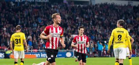 Scorende De Jong verrast met vrije trap: 'Ik oefen veel op de training'