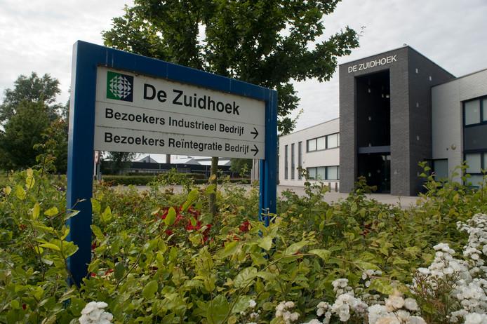 Reintegratiebedrijf De Zuidhoek in Zierikzee gaat afdelingen sluiten, maar houdt alle medewerkers aan de slag.