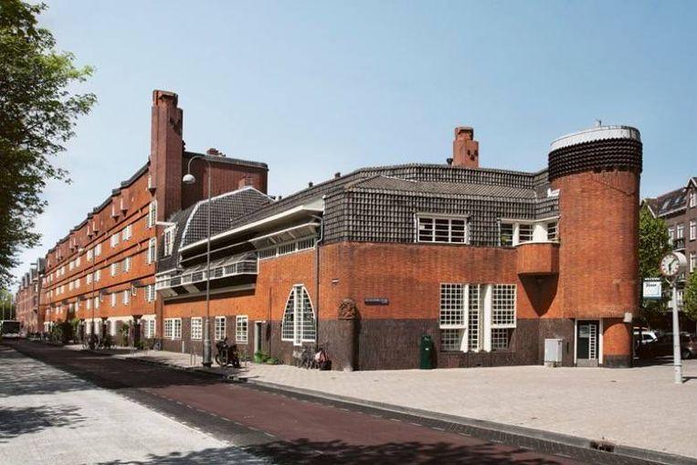 Het complex waarin museum Het Schip ligt, is gebouwd in de stijl van architectuurstroming de Amsterdamse School. Beeld Museum Het Schip.