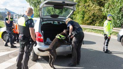 Politie rijdt opníeuw wagen klem op Antwerpse Ring en opníeuw zijn er drugs in het spel