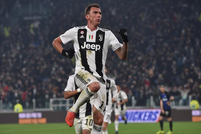 Mario Mandzukic viert zijn winnend goal tegen Inter.