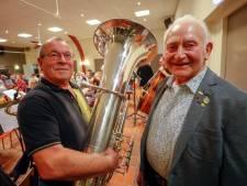 Mooie mijlpalen bij knus Zeelster muziekkorps