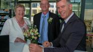 Gedaan met handtekening onder huwelijksakte: eerste koppel trouwt digitaal