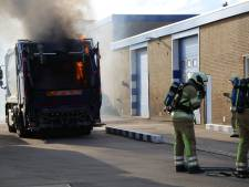 Brand in afvalwagen bij afvalverwerkingsbedrijf in Mijdrecht