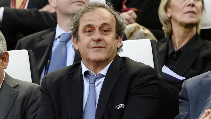 Michel Platini aurait mangé en secret avec Bin Hamman quelques jours avant de déjeuner avec Nicolas Sarkozy, le président français de l'époque, l'émir du Qatar et de son Premier ministre.