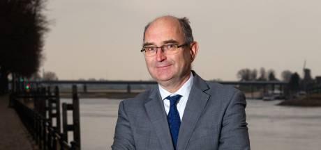 Deventenaar Henk Nieboer benoemd tot consul van Kazachstan