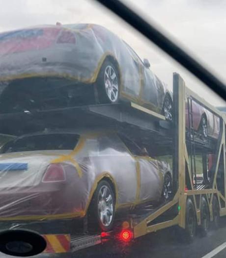Zijn land crepeert, maar koning koopt splinternieuwe Rolls-Royce voor al zijn 15 vrouwen