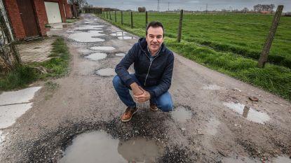 """""""Hopelijk zal nieuw stadsbestuur kapotte steegje wél herstellen"""""""