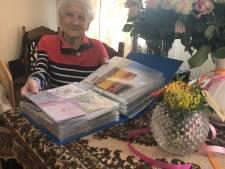 Tweehonderd verjaardagskaartjes uit heel Zeeland voor 95-jarige bewoonster Rozenoord Sluis