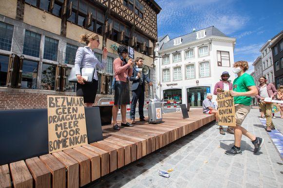De klimaatactivisten eisen onder meer het behoud van natuurgebied De Groene Delle.