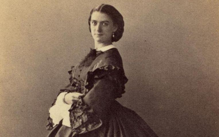 Constance Qu�niaux was een oud-danseres bij de Opera van Parijs.