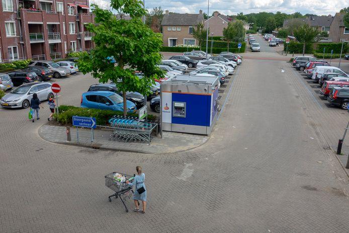 Op het Noordplein in Malden staat sinds kort een pinautomaat van de Rabobank.
