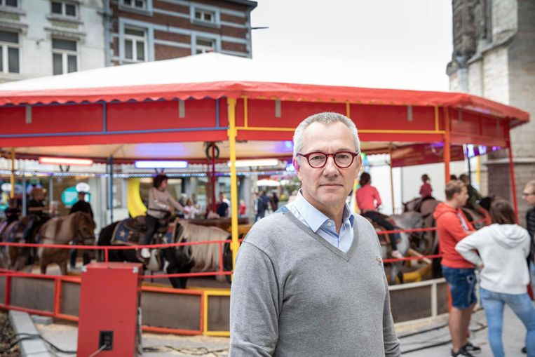 "Peter Vandam (Groen):  ""Een hele dag rondjes draaien onder luide kermismuziek is allesbehalve bevorderlijk voor het welzijn van de dieren, en het is al helemaal niet meer van deze tijd"""