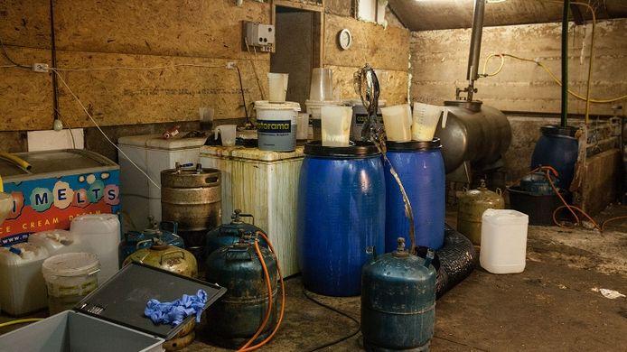 Ter illustratie: Een beeld van een drugslab. Dit is niet het lab in Vroomshoop.