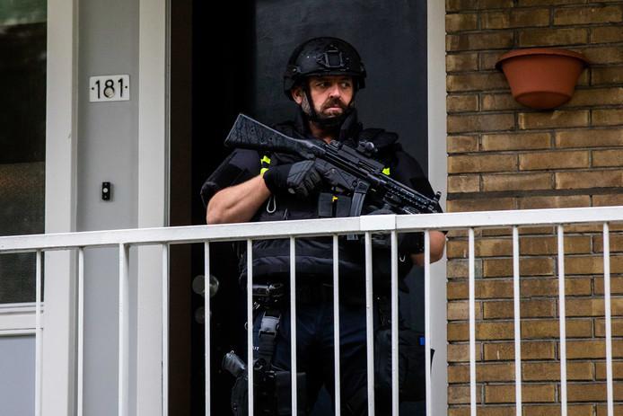 De politie was zwaarbewapend
