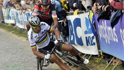 """Val in Ronde heeft Sagans humor alvast niet aangetast: """"Zal ik een nieuw jasje kopen?"""""""
