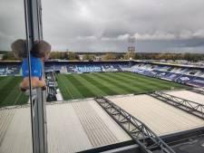 Freddy ziet vanuit hotelkamer PEC Zwolle toch live voetballen: 'Een soort skybox'
