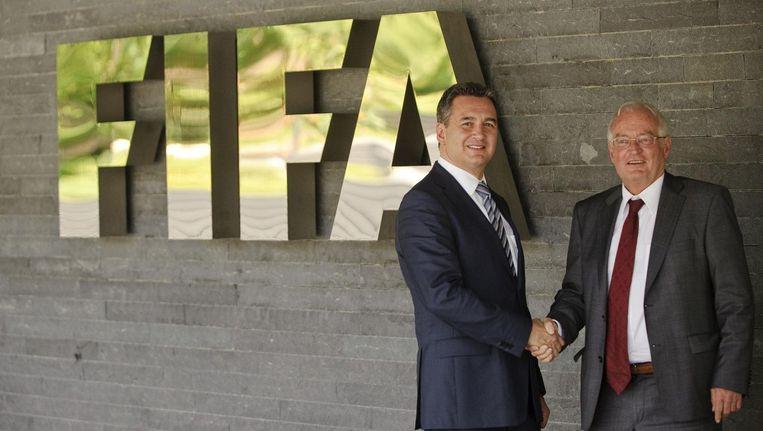 Hans-Joachim Eckert (rechts) leidde samen met Michael J. Garcia (links) de ethische commissie van de FIFA. Zij schreven samen aan het rapport Beeld null