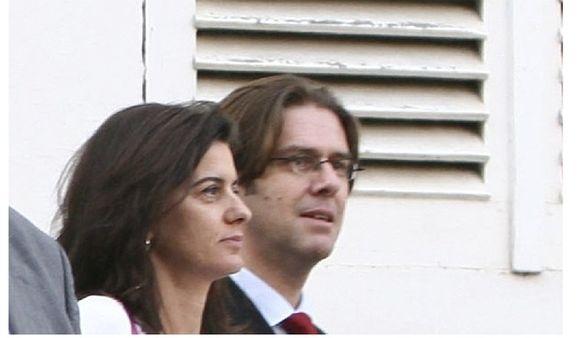 Griffier Peggy Coppens en onderzoeksrechter Wim De Troy. De toenmalige griffier van De Troy zou een aantal dossiers mee naar huis hebben genomen zonder dat ze ooit terug tot op kantoor geraakten.