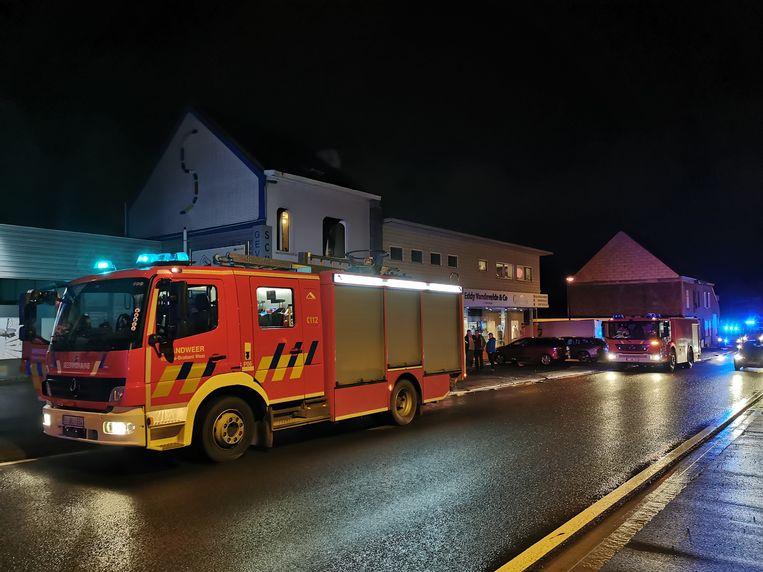 Een ploeg van de brandweerzone Vlaams-Brabant West kwam ter plaatse om te blussen.