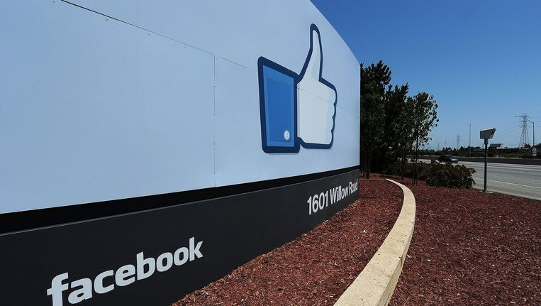 Ingang van de Facebook-campus in Menlo Park, Californië. Beeld belga