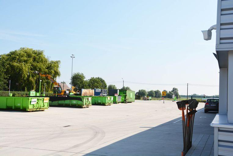 Een archiefbeeld van het Rumbeekse containerpark.
