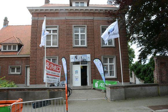 De uitvalsbasis van Radio Barbier is dit jaar de voormalige pastoriewoning in Rupelmonde.