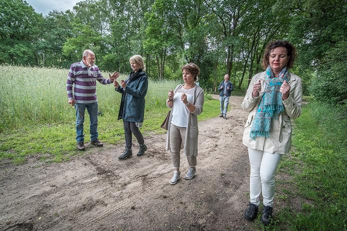 Johan gaat vandaag op stap met een groep mensen uit Hengelo.